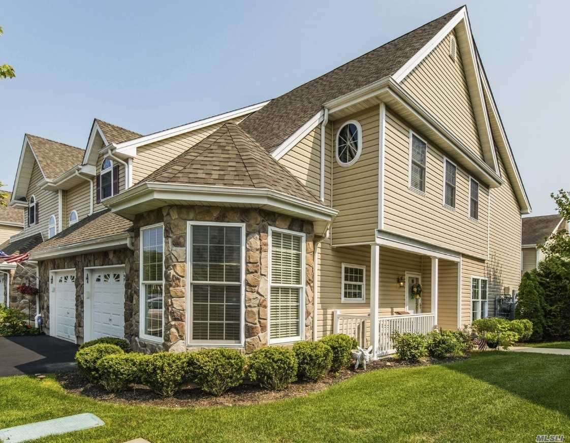 Property for sale at 141 Christine Dr, Dix Hills,  NY 11746
