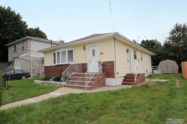 Photo of home for sale at 10 Vanata Ct, Hempstead NY