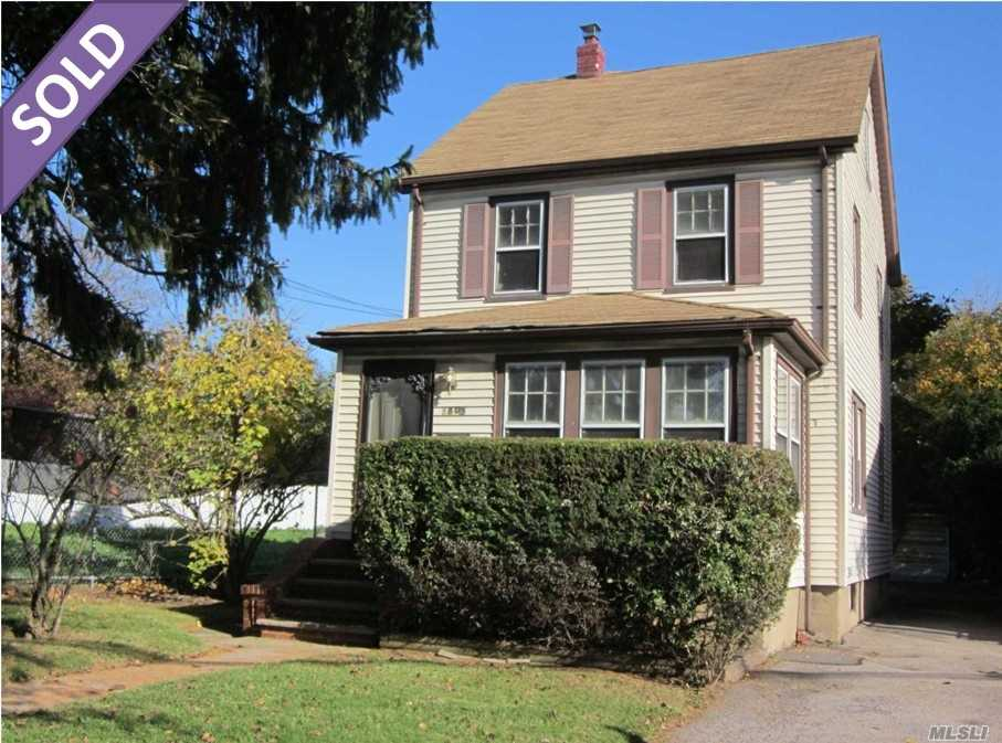 Photo of home for sale at 88-05 Commonwealth Blvd, Bellerose NY