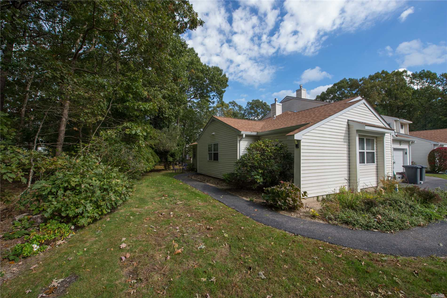 Property for sale at 60 Cobbleridge Ln, Manorville,  NY 11949