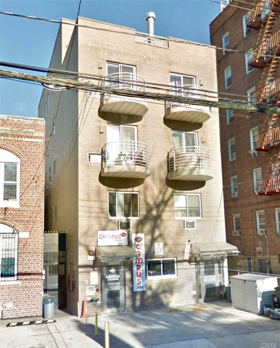 Photo of home for sale at 132-73 Maple Ave, Flushing NY