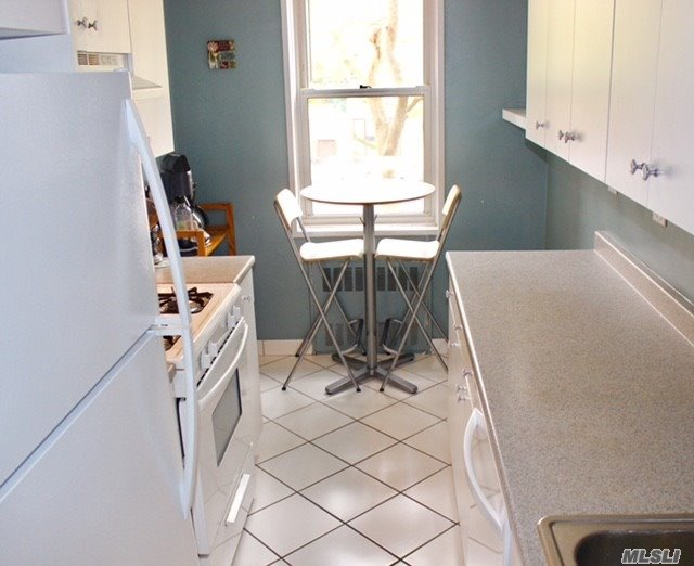 Photo of home for sale at 3901 Independence Ave, Riverdale NY
