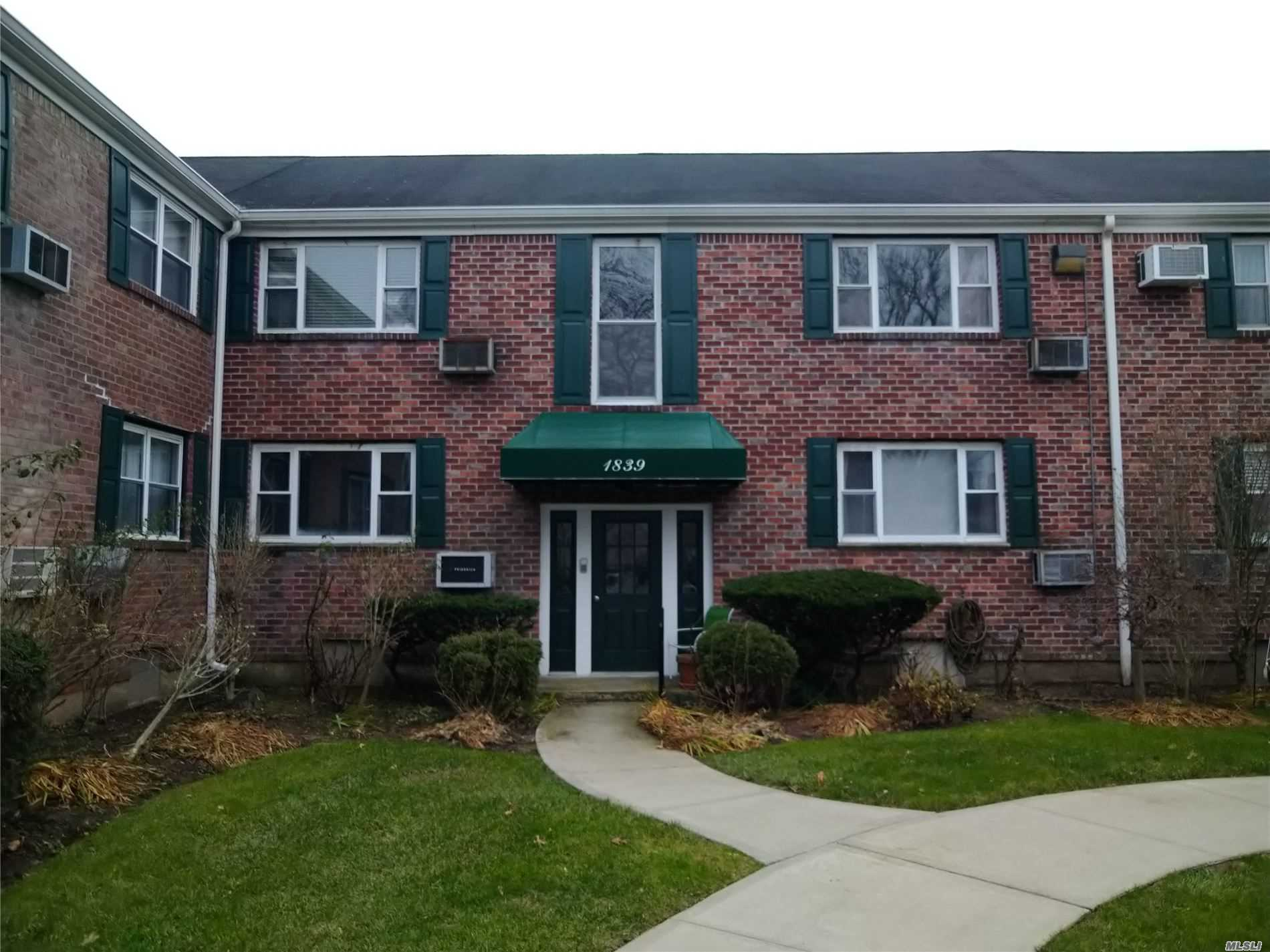 Property for sale at 1839 Oliver Ave Unit # 4, Valley Stream,  New York 11580