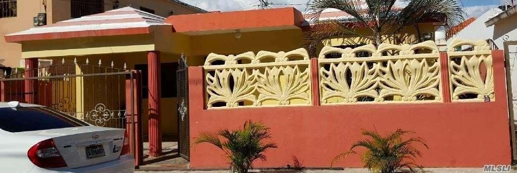 Photo of home for sale at Calle 1Ra. Res.La Primavera, Autop. St Isidro SD