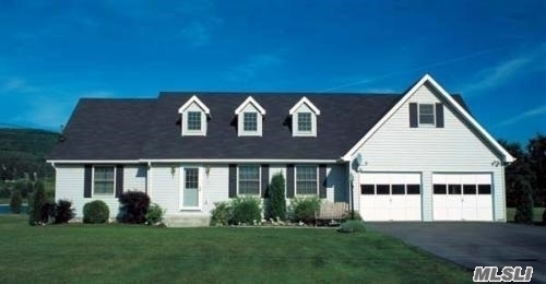 Photo of home for sale at 201B South Country Rd, Bellport Village NY