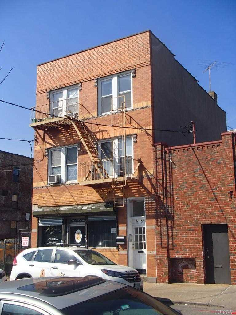 Photo of home for sale at 3462 10th St, Long Island City NY