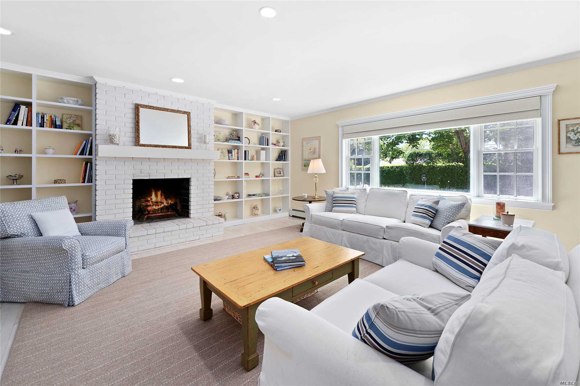 Photo of home for sale at 51 Cooper St, Southampton NY