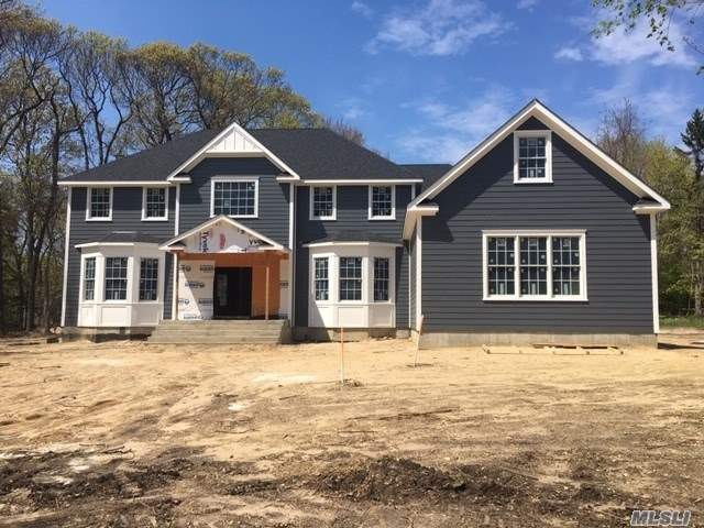 Photo of home for sale at 11 West Meadow Rd, Setauket NY
