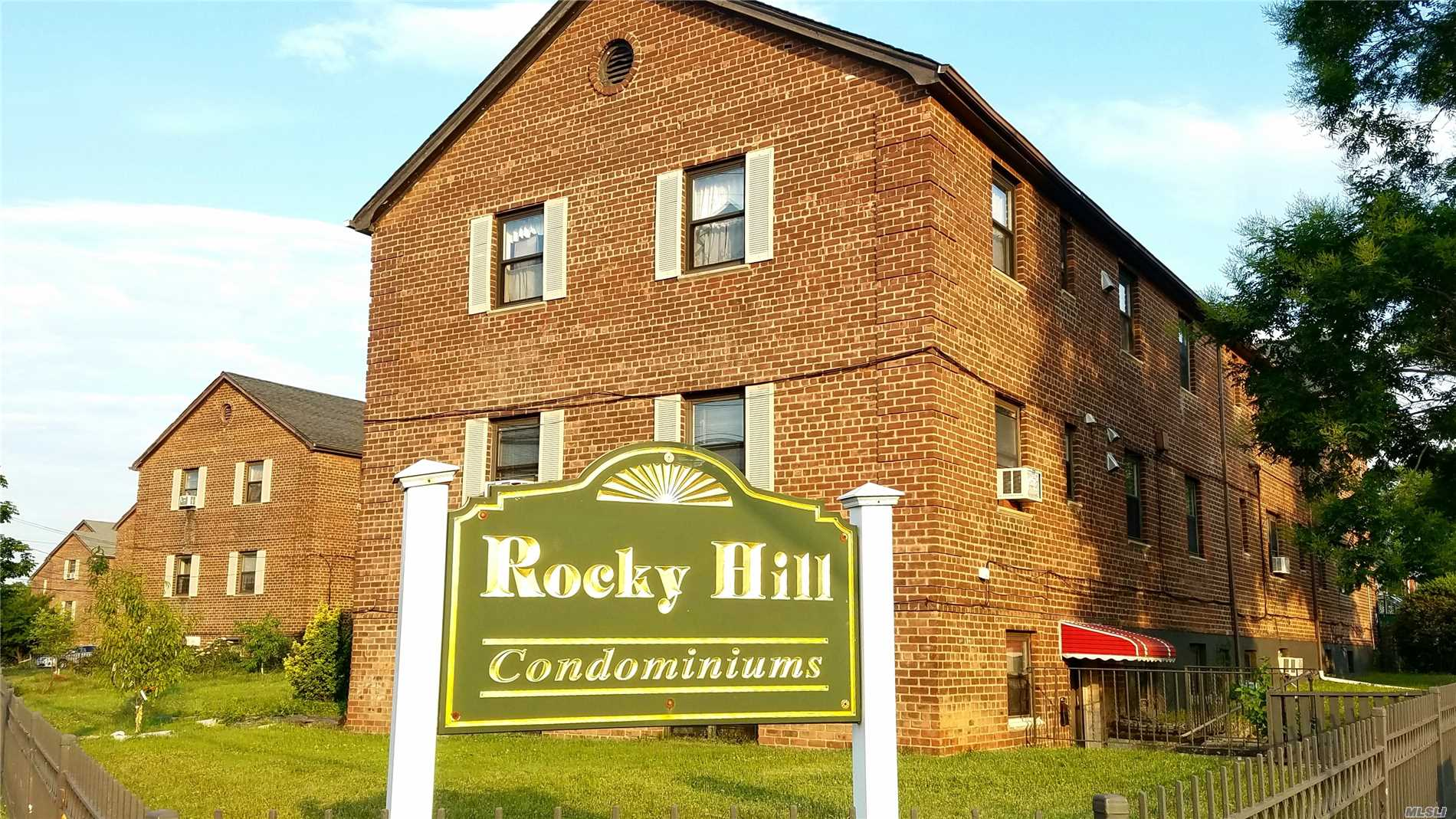 Photo of home for sale at 201-12 Rocky Hill Rd, Bayside NY