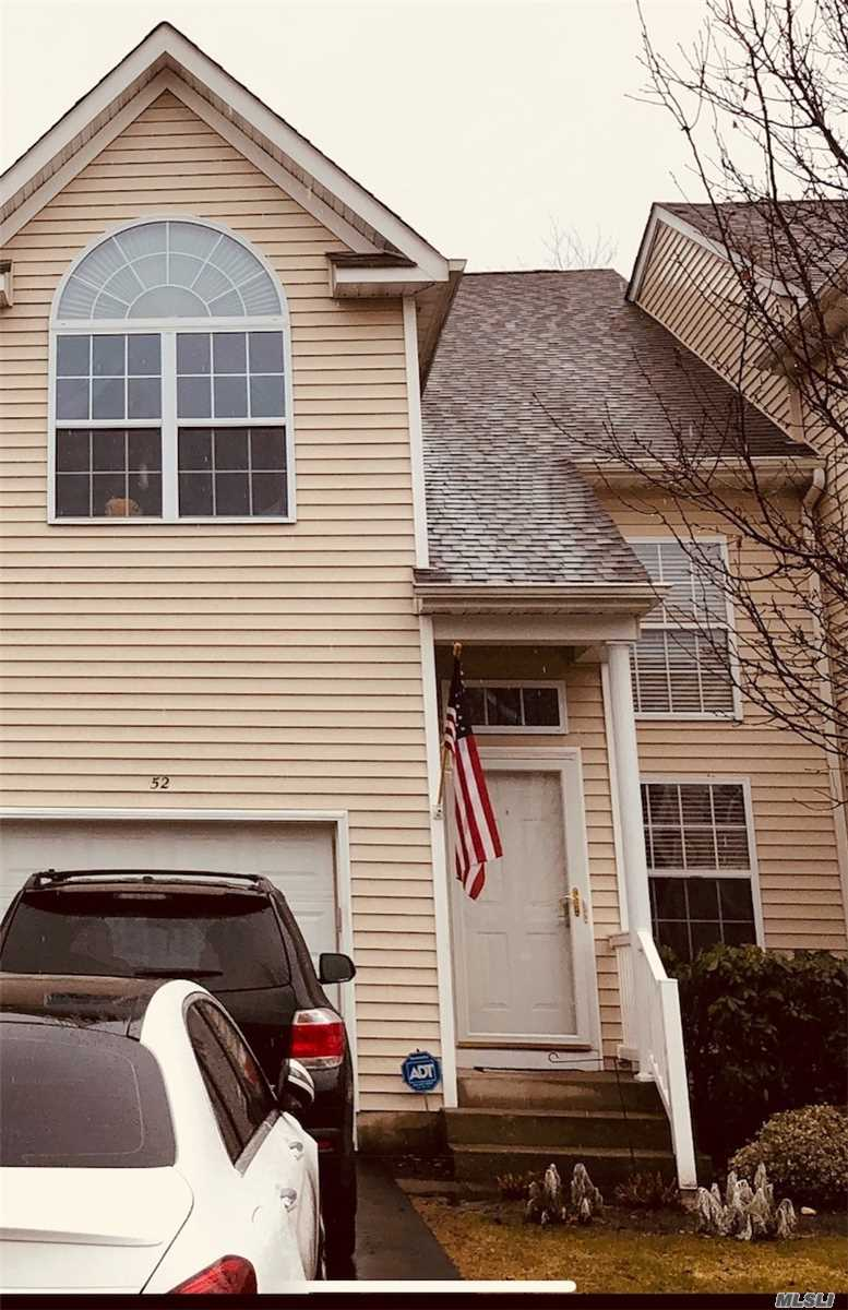 Property for sale at 52 Crossbar Rd, Medford,  NY 11763