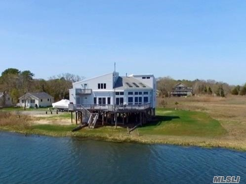 Photo of home for sale at 118 Reeves Bay Trl, Flanders NY