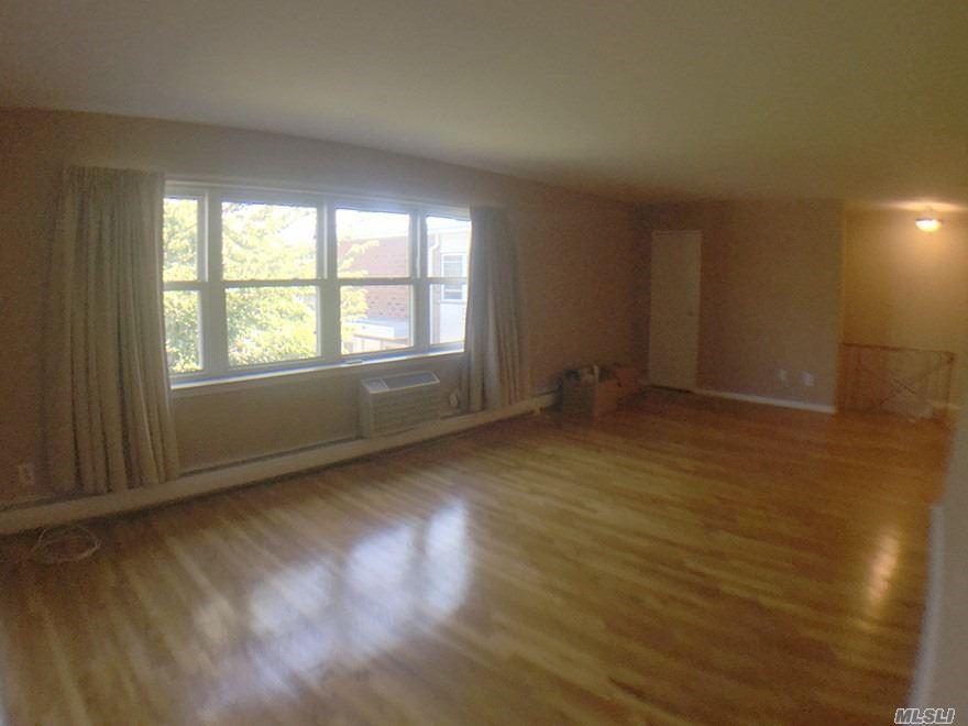 Property for sale at 141 Farber Dr, West Babylon,  NY 11704