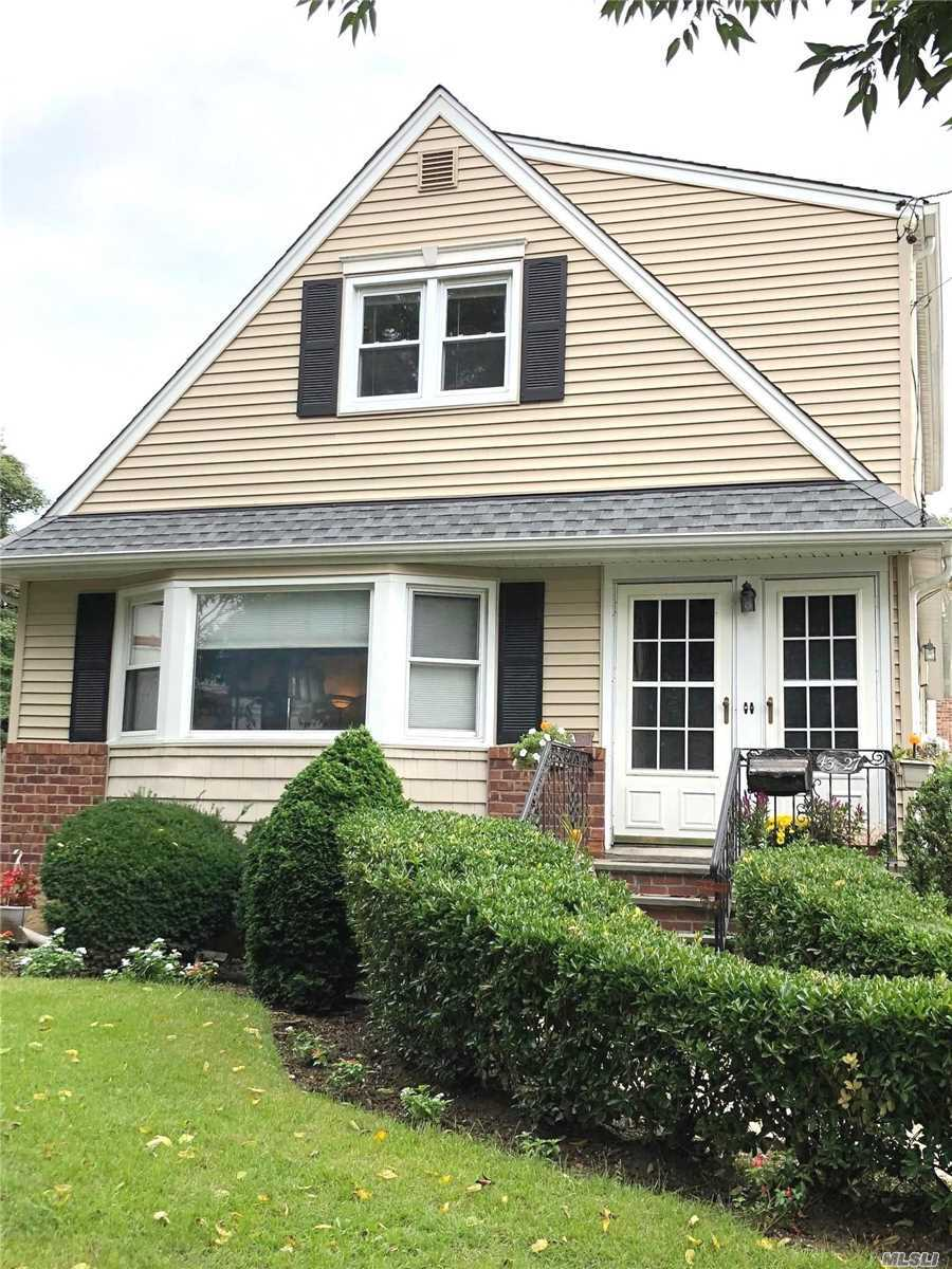 Photo of home for sale at 43-27 220th St, Bayside NY