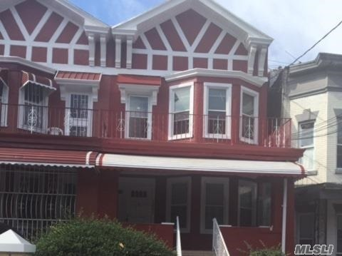 Photo of home for sale at 1460 New York Ave, Brooklyn NY