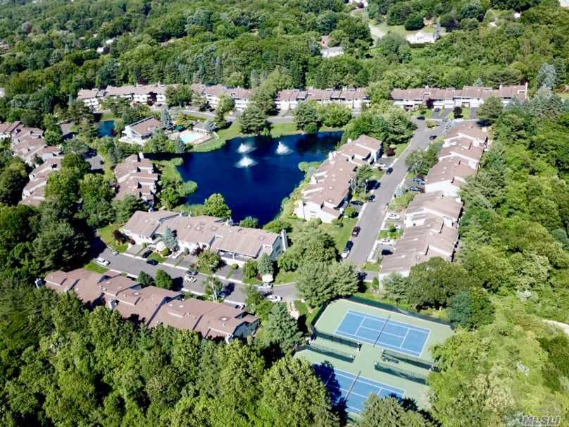 Property for sale at 40 Eagle Chase, Woodbury,  NY 11797