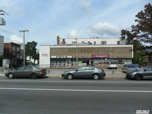 Property for sale at 1 N Tyson Ave, Floral Park,  NY 11001