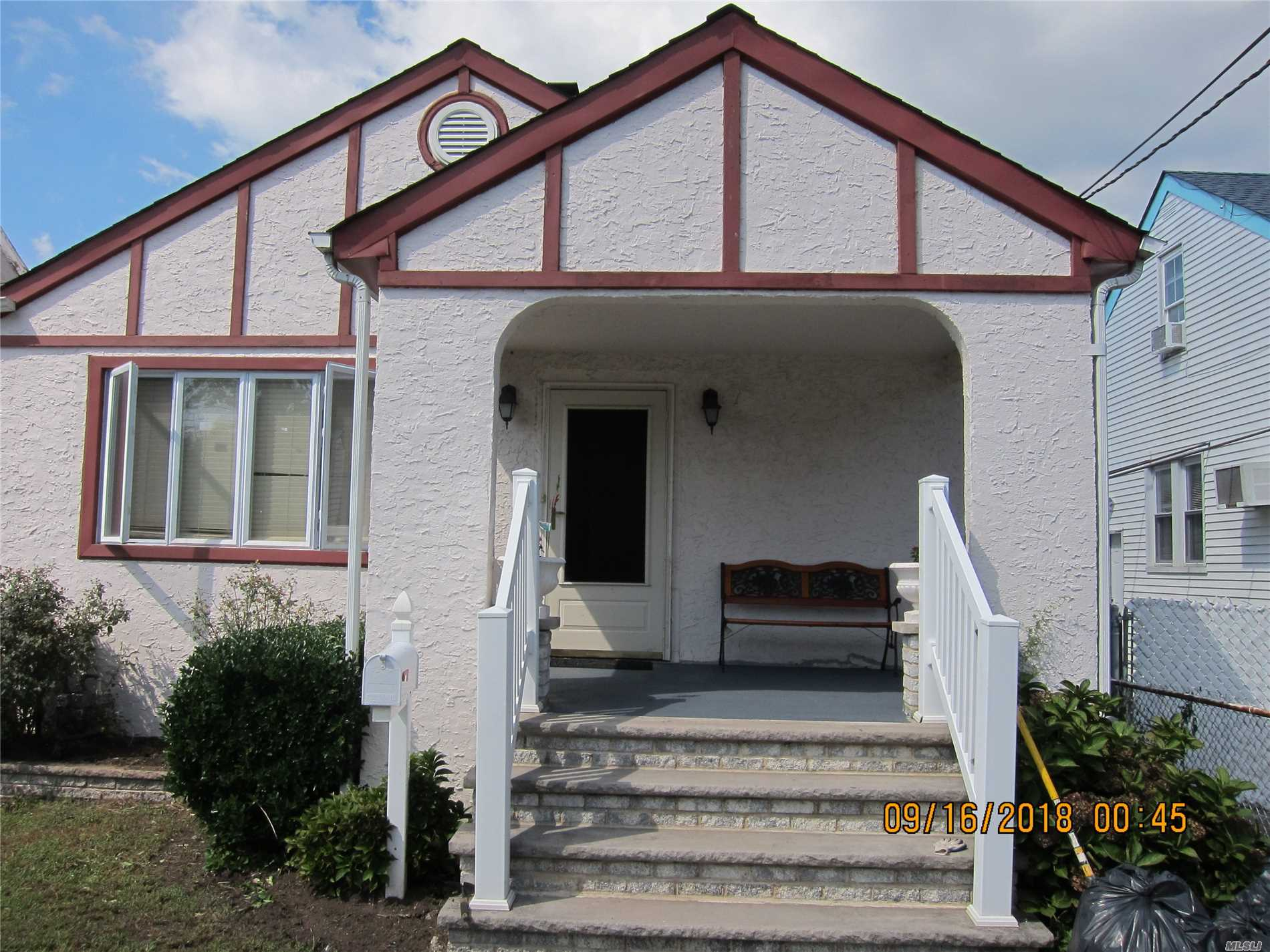 Photo of home for sale at 113 Stewart Ave, Hempstead NY