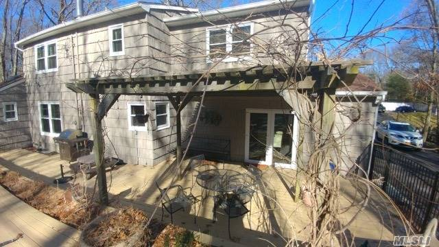 Photo of home for sale at 107 Red Oak Ct, Port Jefferson NY