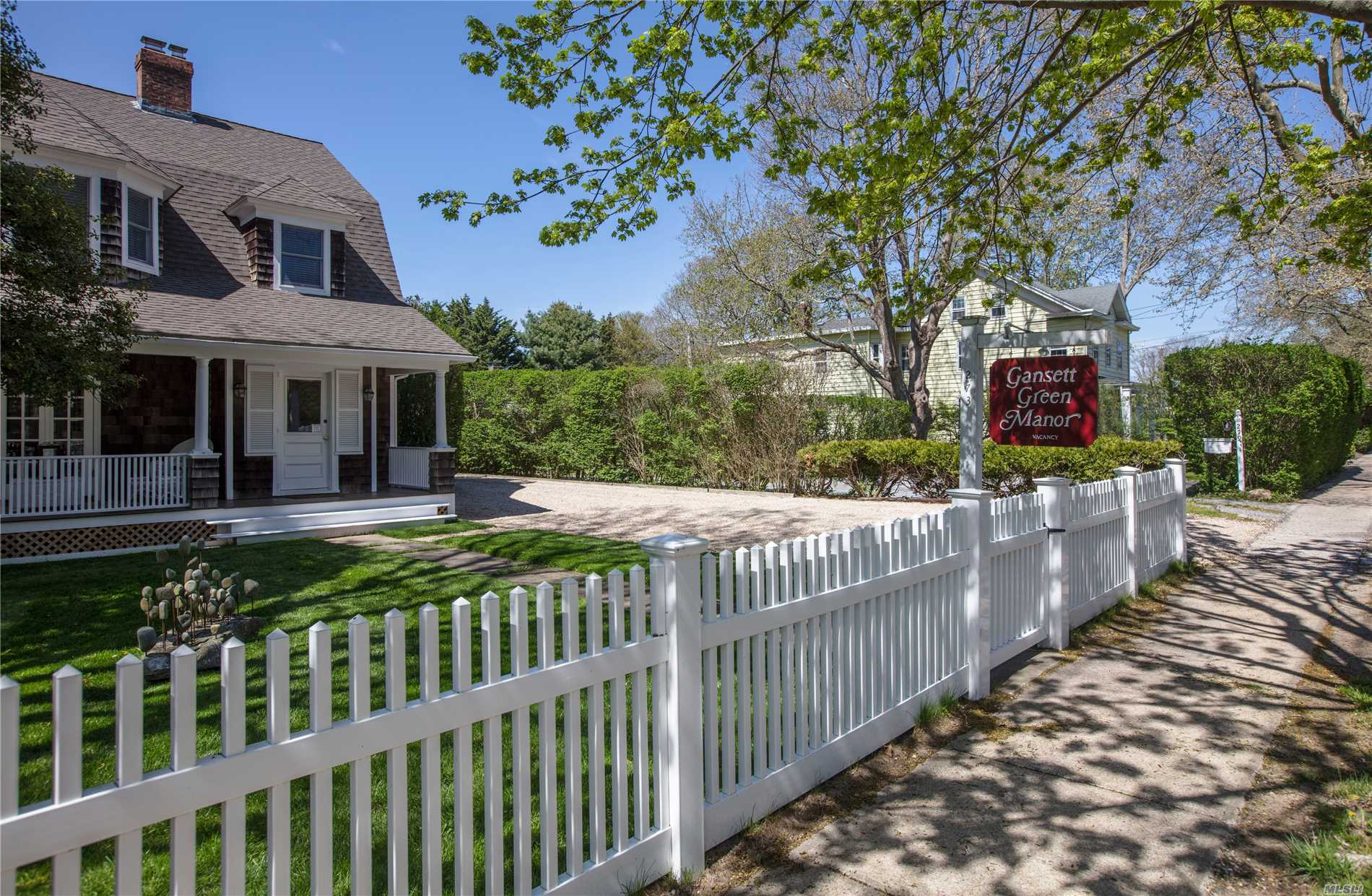 Photo of home for sale at 273 Main St, Amagansett NY