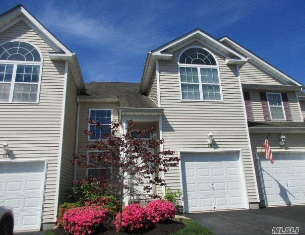 Property for sale at 228 Kettles Ln, Medford,  NY 11763