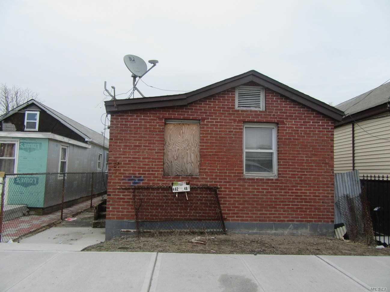 Photo of home for sale at 462 Beach 46th St, Far Rockaway NY