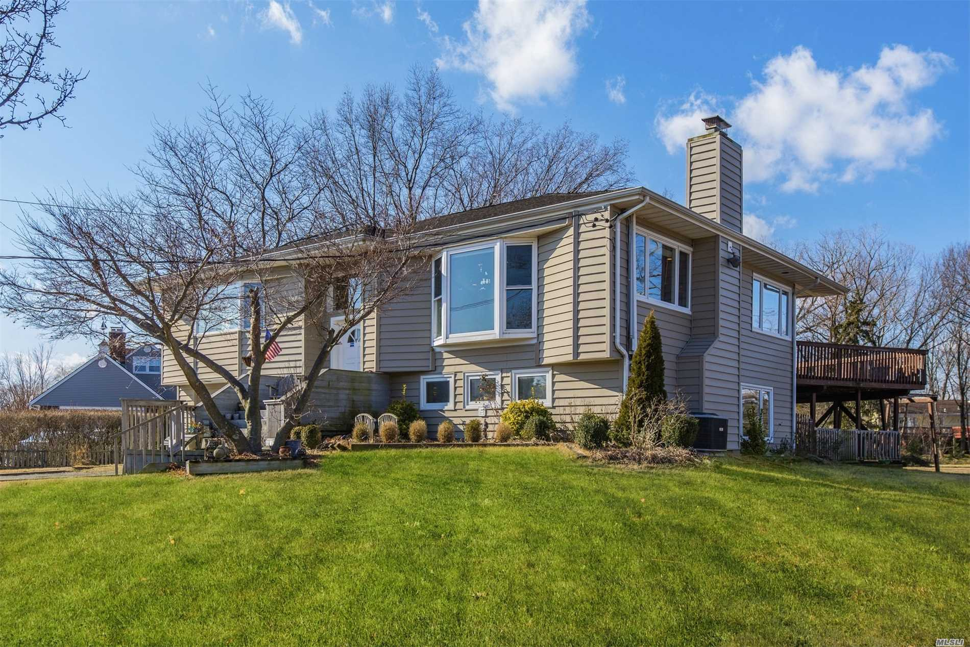 Photo of home for sale at 19 Southland Dr, Glen Cove NY
