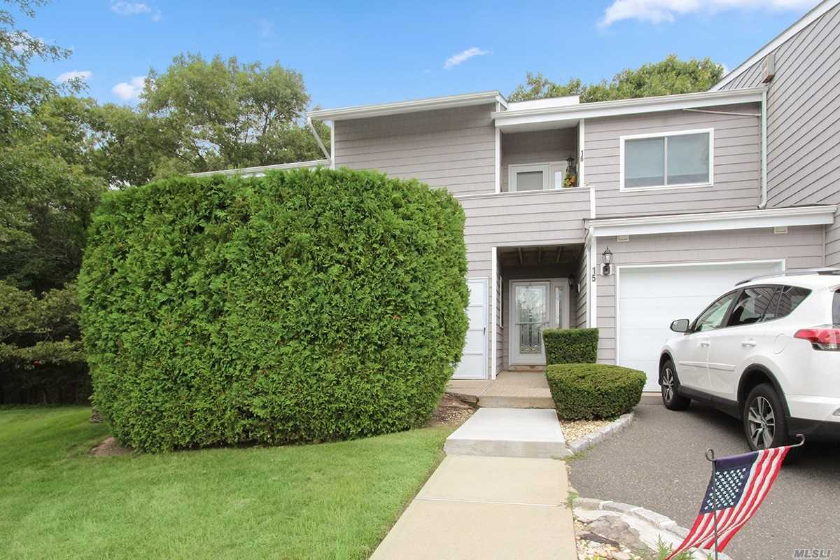 Property for sale at 16 Vista Dr, Manorville,  NY 11949