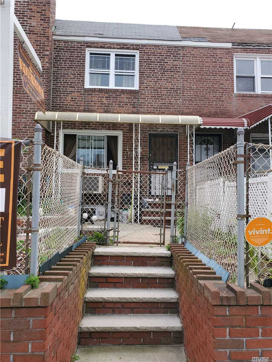 Photo of home for sale at 216-04 115th Ct, Cambria Heights NY