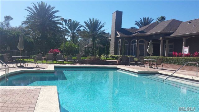 Photo of home for sale at 409 Summit Ridge Pl, Longwood FL