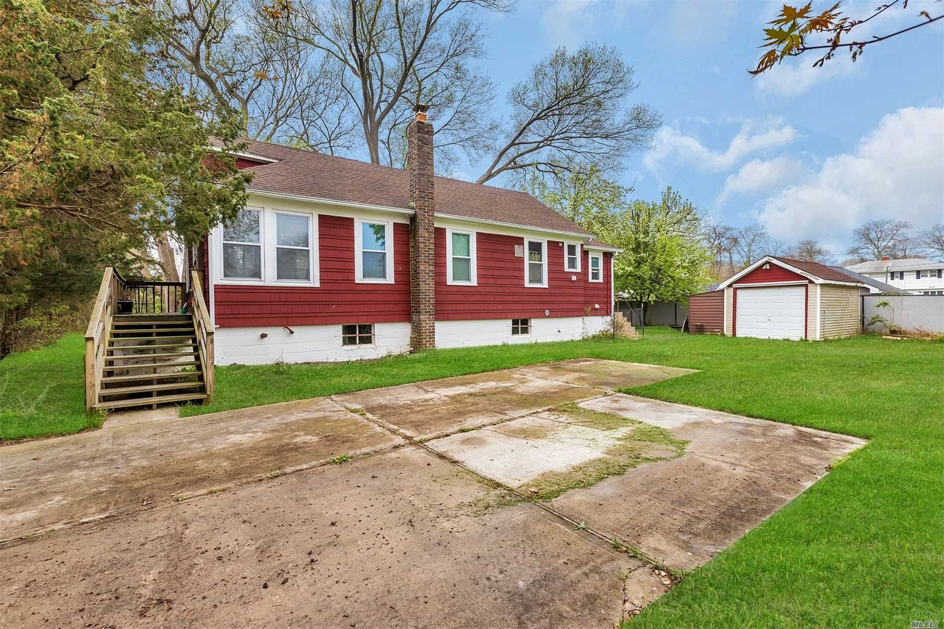 Photo of home for sale at 80 Diana Dr, Mastic Beach NY