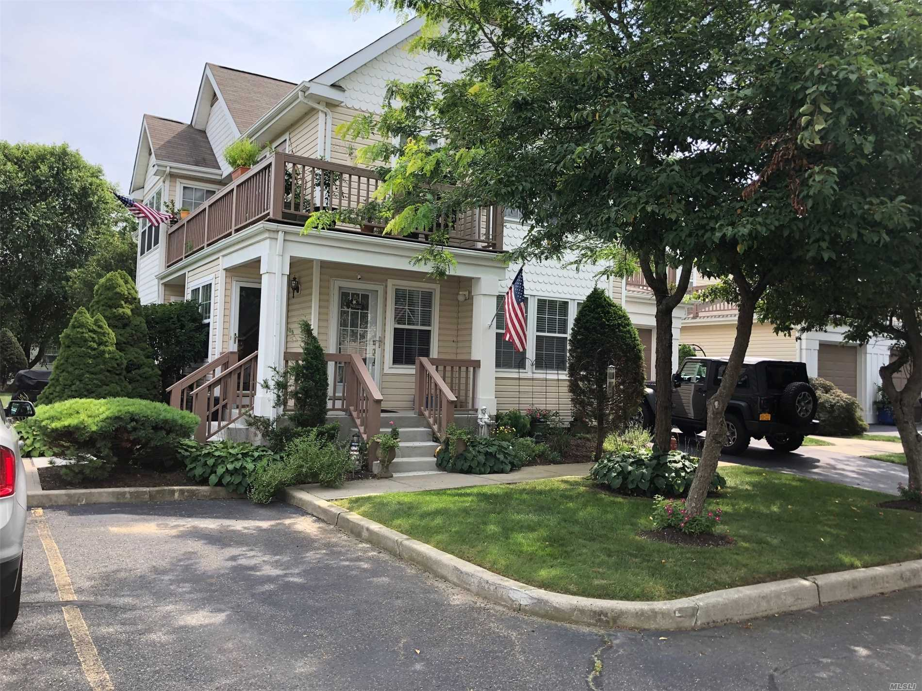 Property for sale at 97 Commodore Cir, Pt.Jefferson Sta,  NY 11776