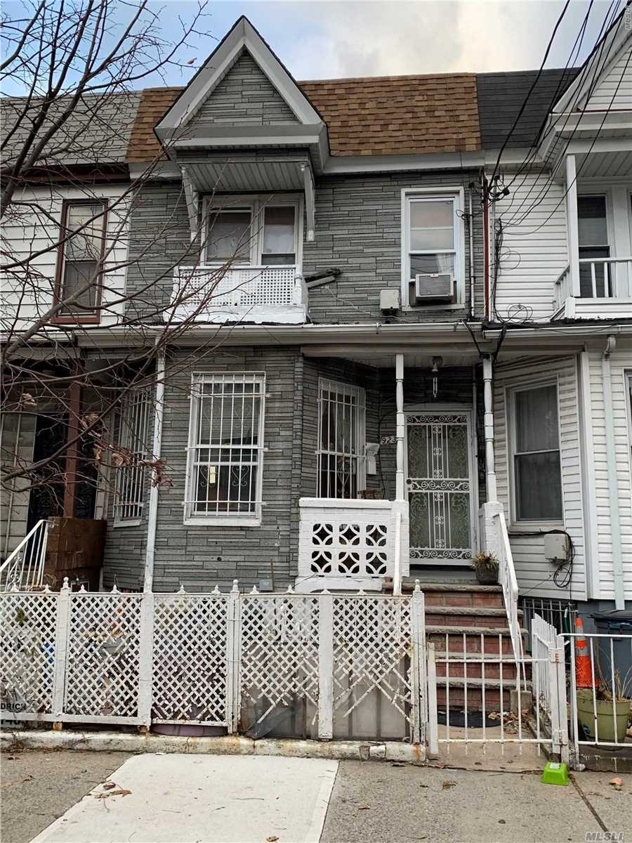 Photo of home for sale at 923 Belmont Ave, Brooklyn NY