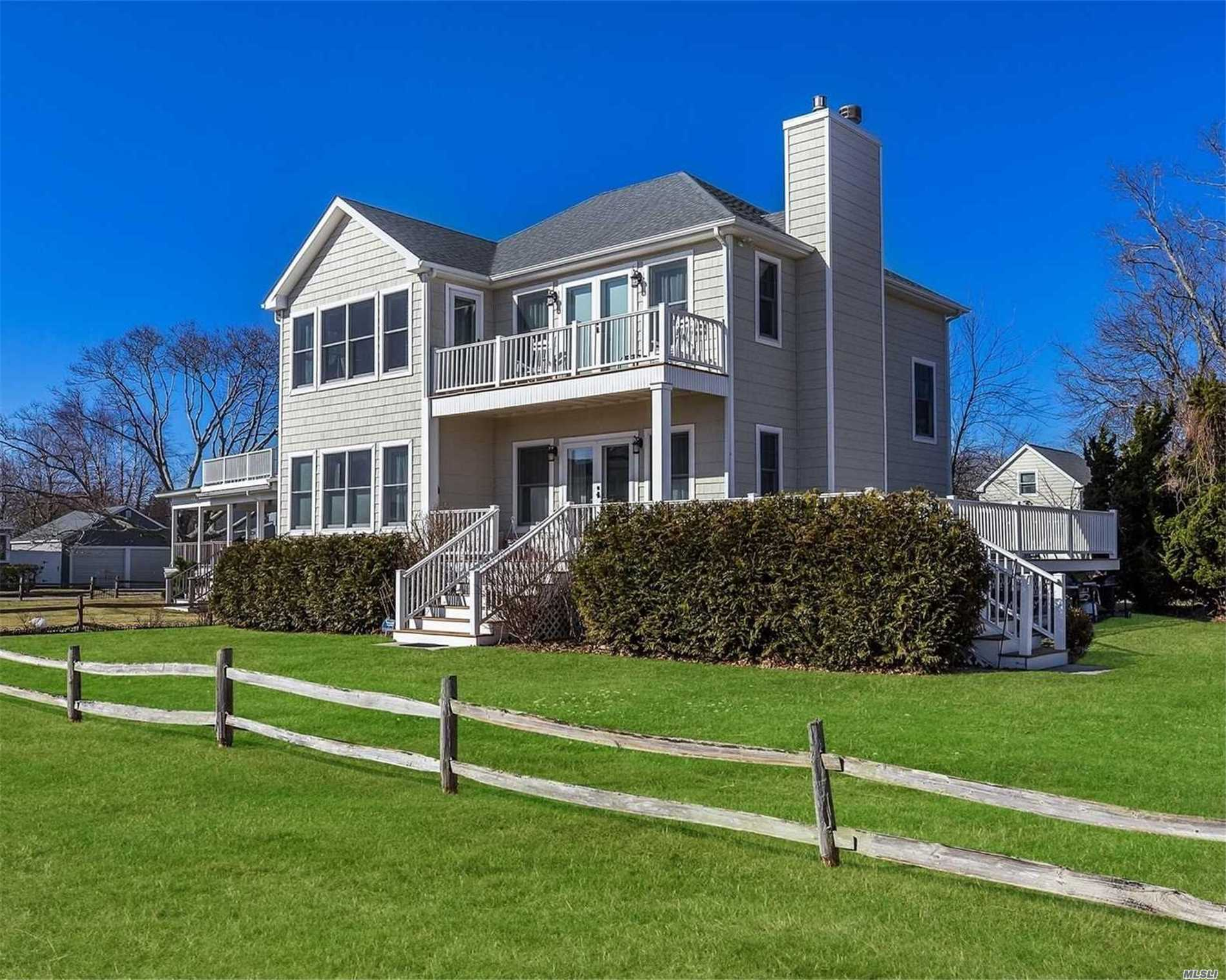 Photo of home for sale at 150 2nd St, South Jamesport NY