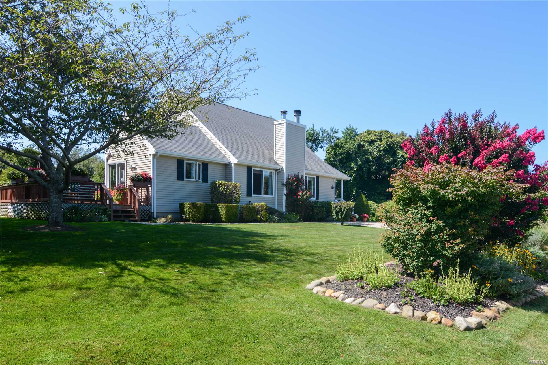Photo of home for sale at 11 Georgia Pl, Montauk NY