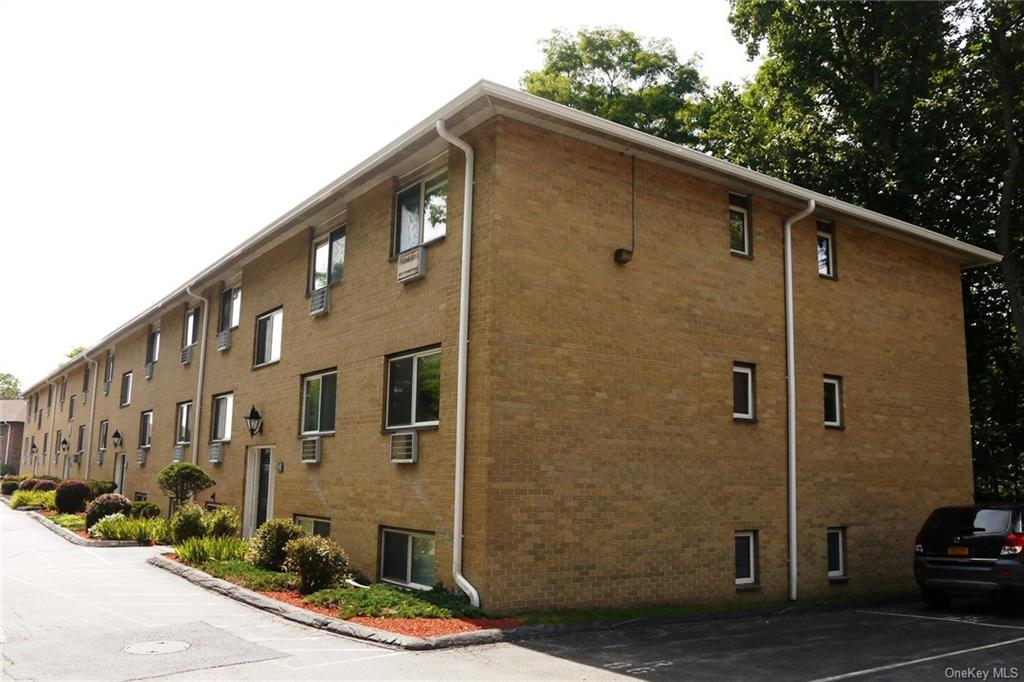 Bright and spacious top floor end unit in move in condition offers generously sized master bedroom a