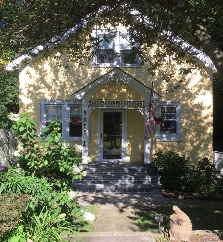 Listing in Rockville Centre, NY