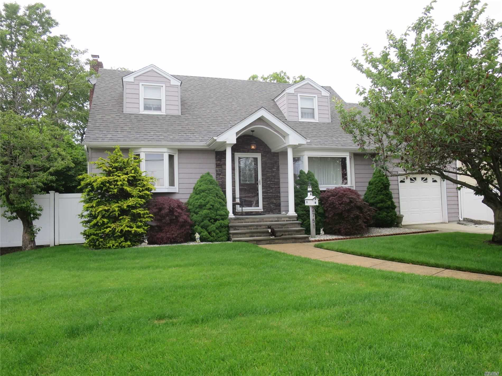 Listing in Bellmore, NY