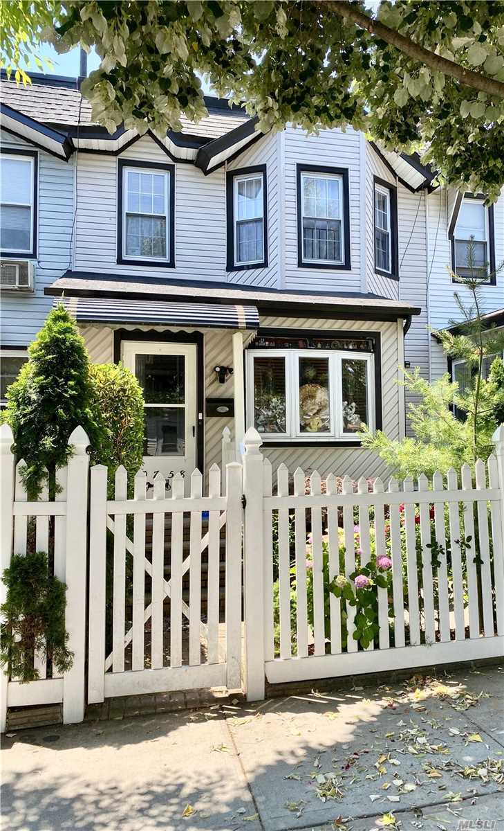 Listing in Richmond Hill S., NY