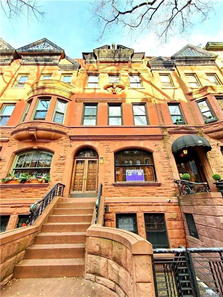 Listing in Manhattan, NY