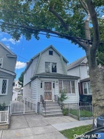 Listing in Hollis, NY