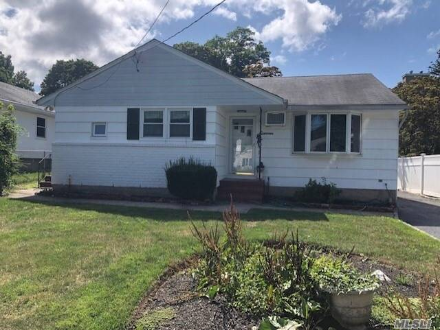 Listing in Centerport, NY