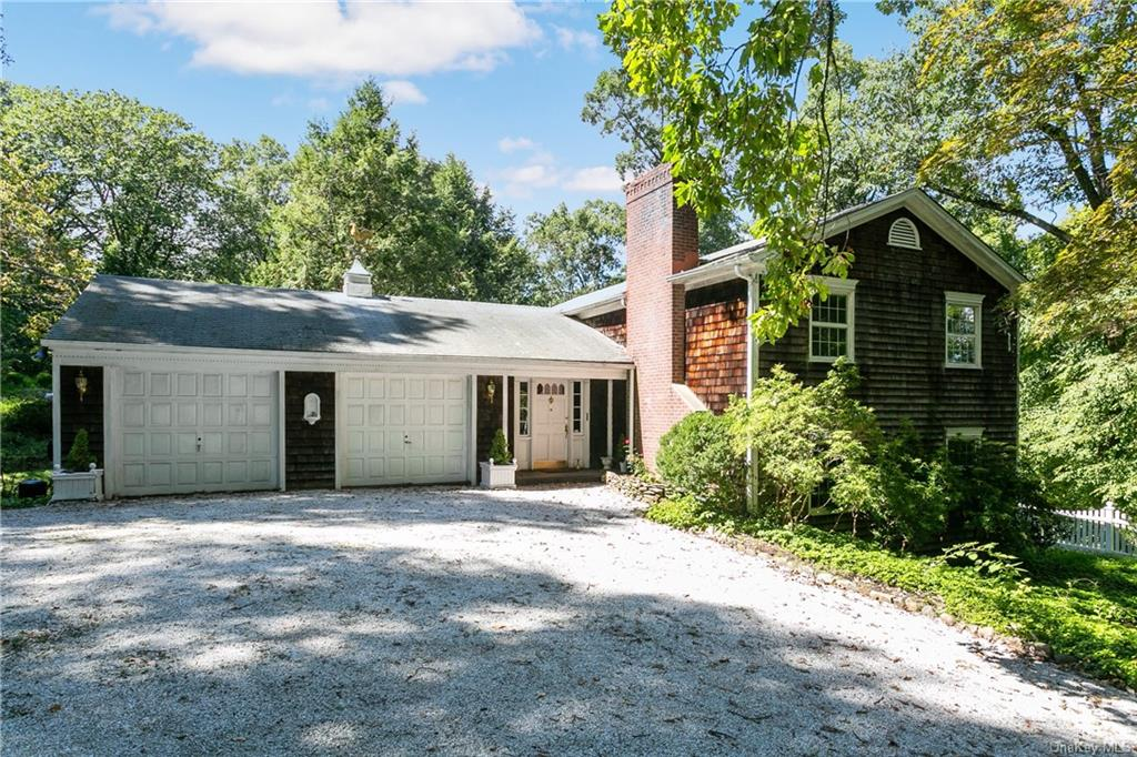 This is a great opportunity to move into the desirable Briarcliff area.  The sky is the limit with t