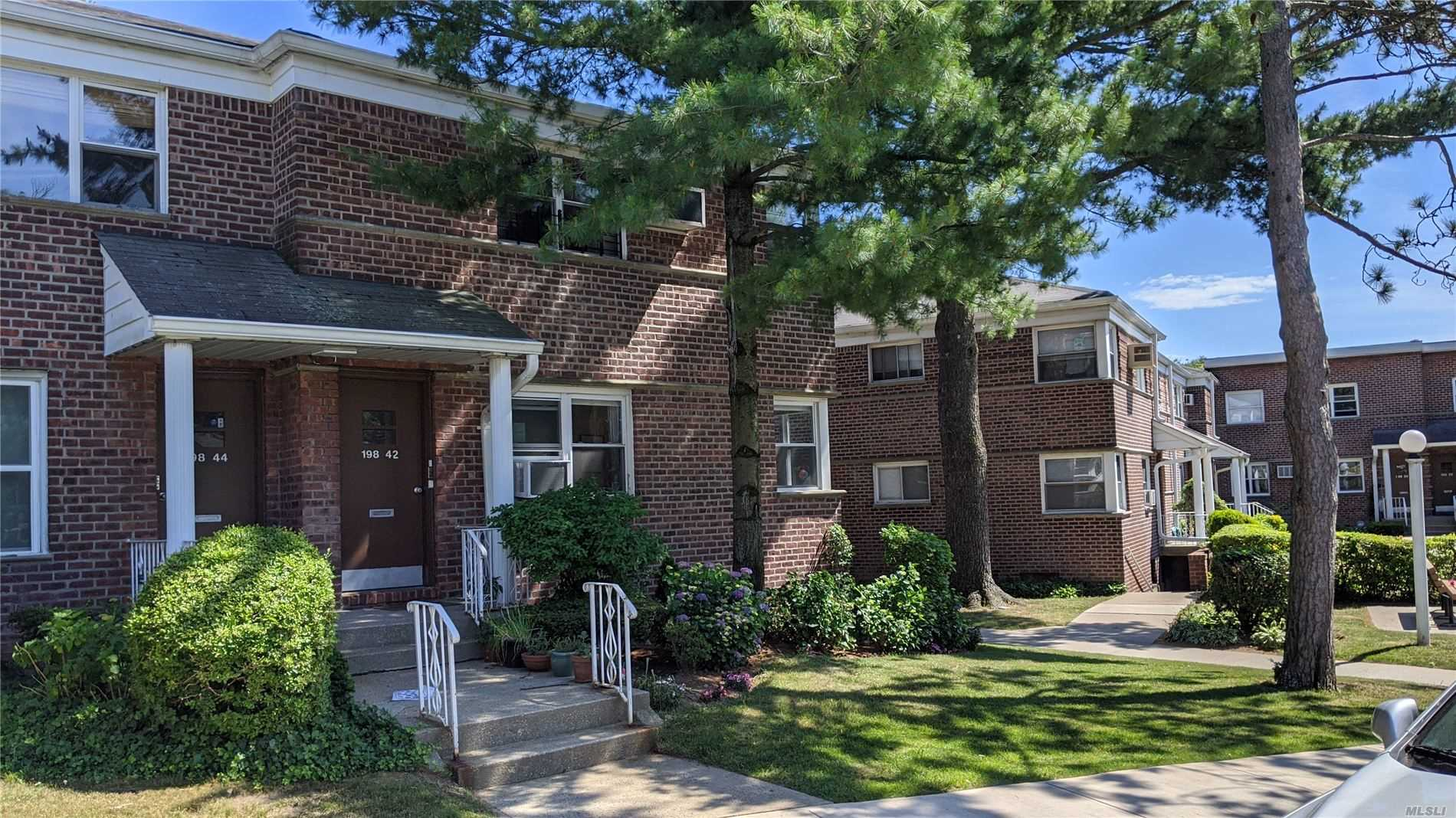 Listing in Holliswood, NY