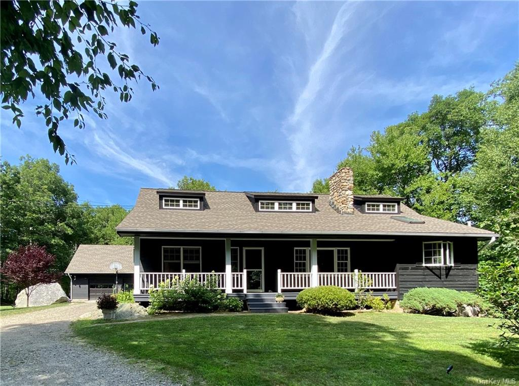 Total Serenity. Located within walking distance to Fahnestock State Park with acres of hiking trails
