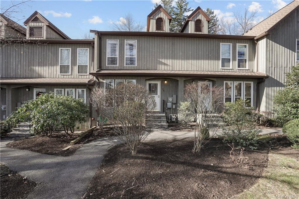 Immaculate, Move-in Ready, Tri-Level Unit in Woods III! This Home is Impeccably Maintained with Lovi
