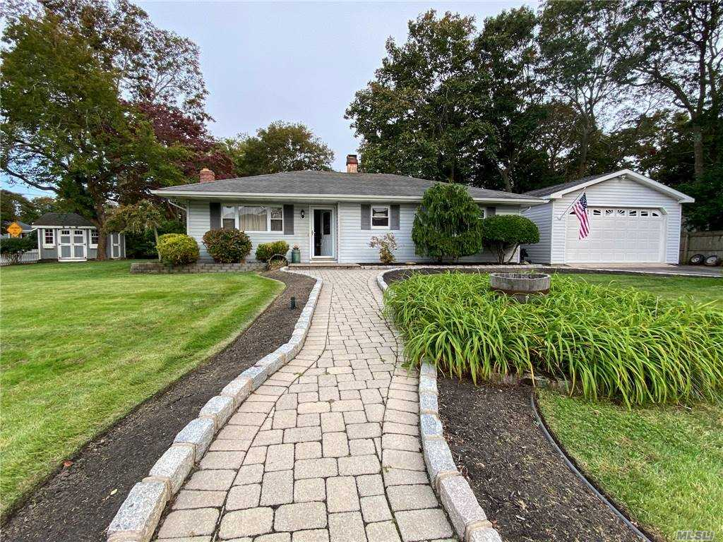 Listing in Shirley, NY