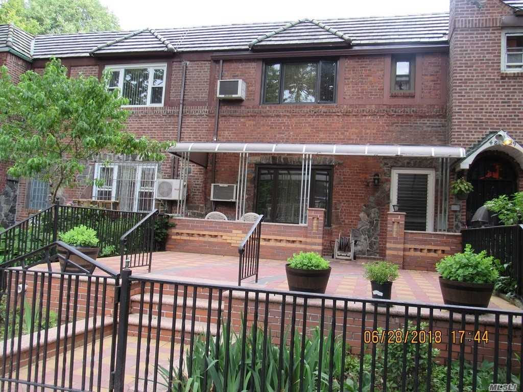 Listing in Woodside, NY
