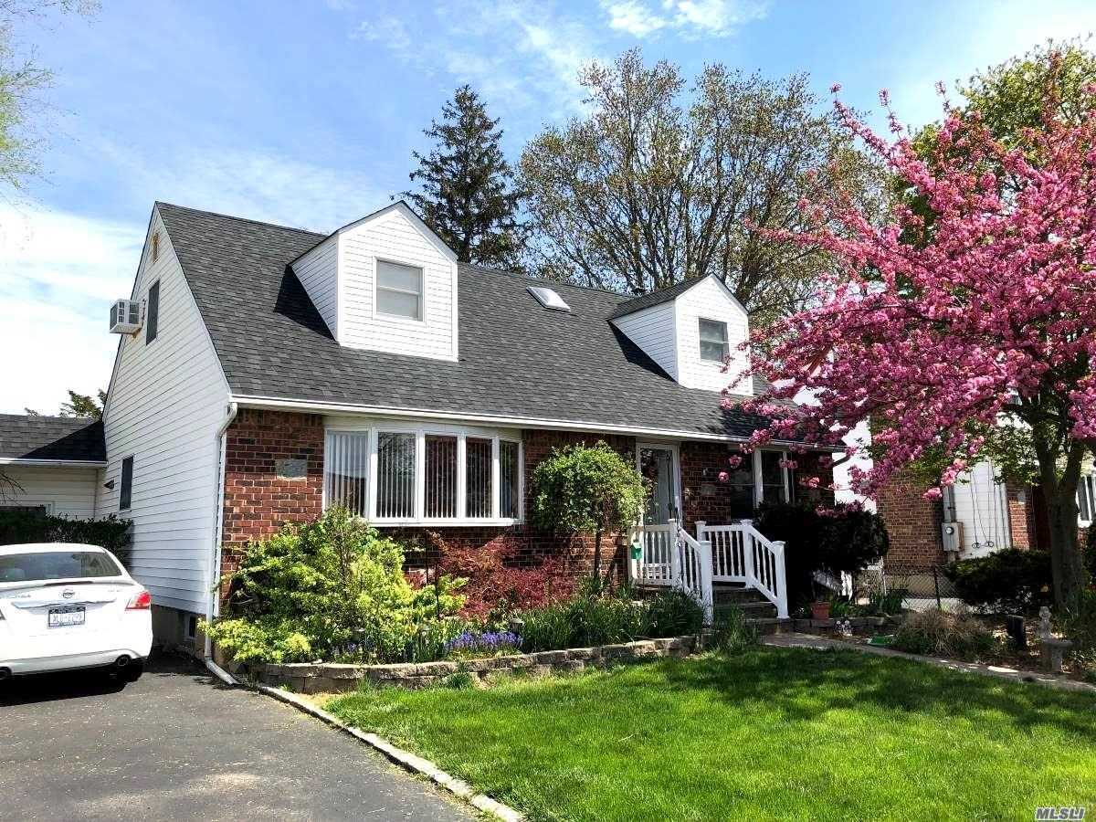 Listing in Seaford, NY
