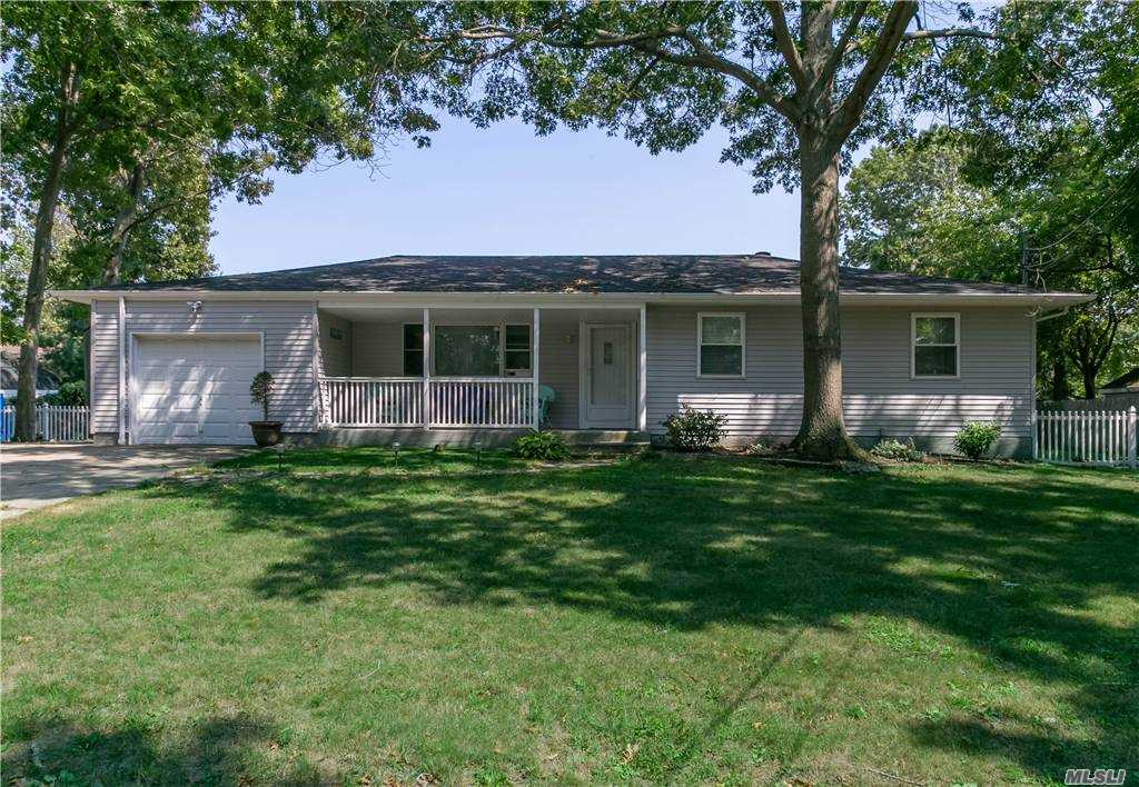 Listing in Pt.Jefferson Sta, NY