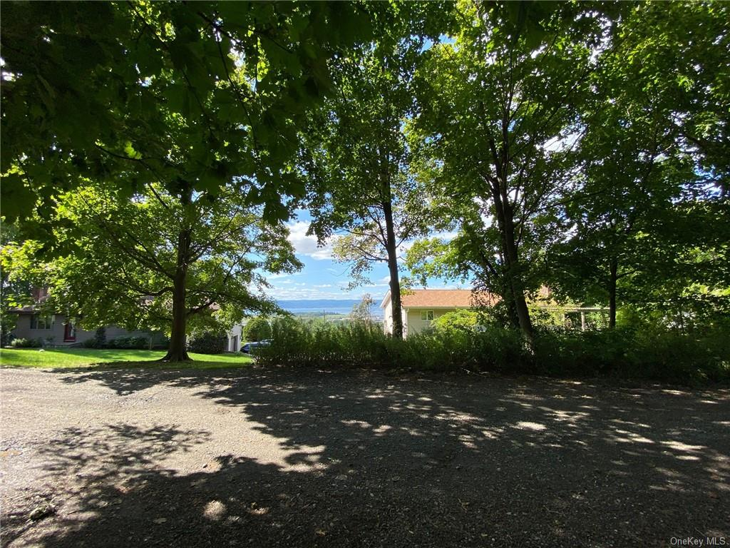 Hudson River views! What an opportunity! Build your dream home on this wonderful lot at the end of a